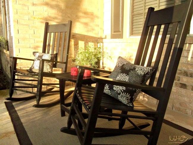 outdoor living, spring decor, seasonal decor, front porch
