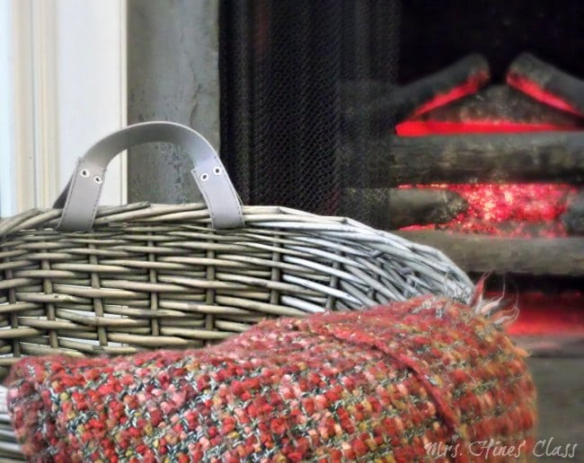 Warm and Cozy Fall Decor: Mrs. Hines' Class