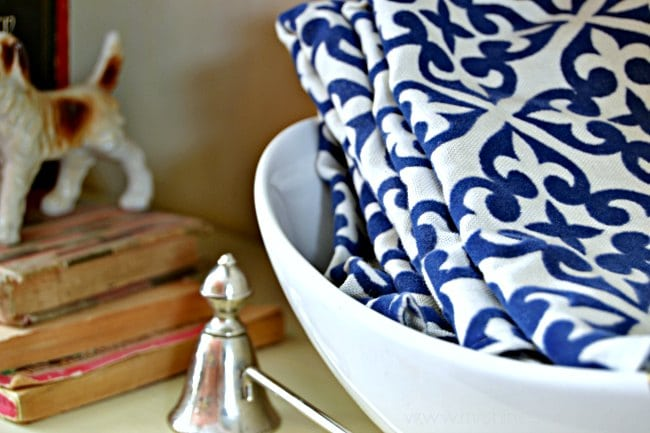 Clever Cloth Napkin Storage