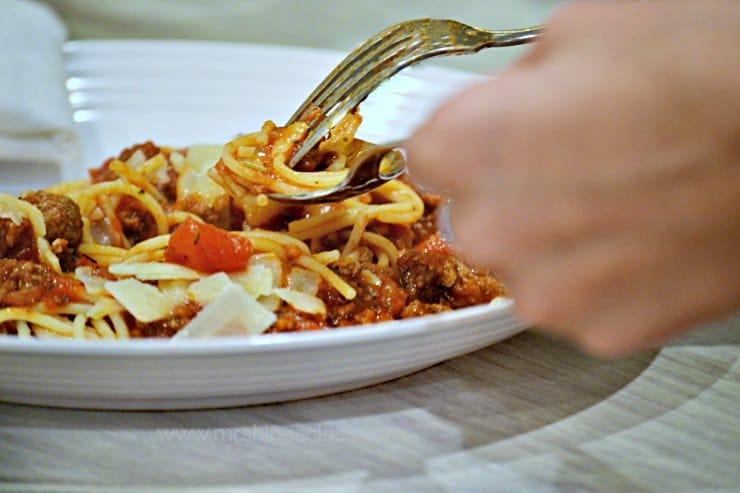 spaghetti sauce eating